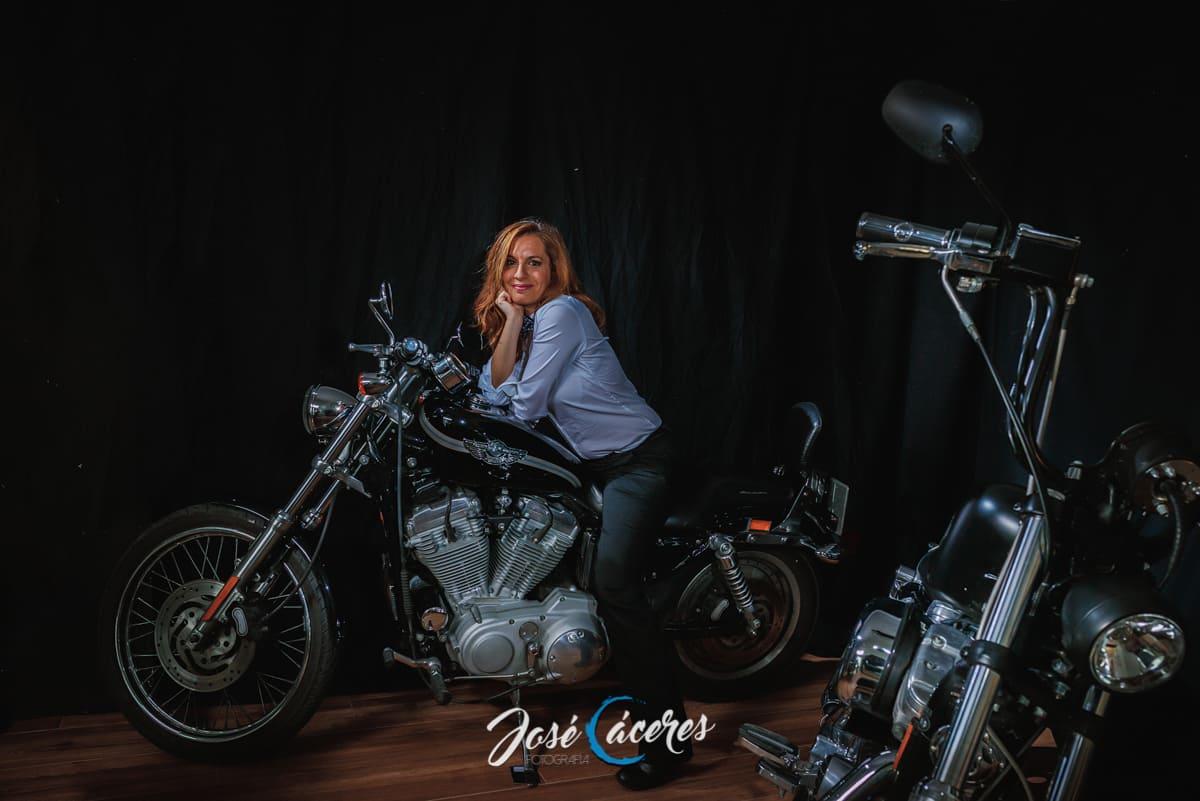 Harley en estudio fotografico